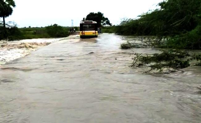 Heavy Rainfall In Sattenapalli At Guntur District - Sakshi