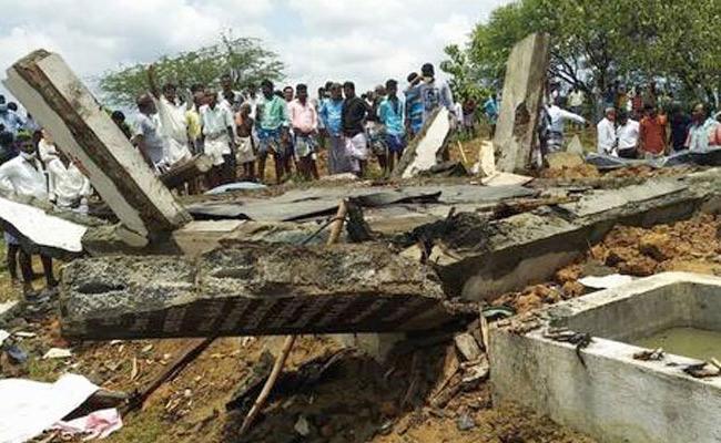 At Least 7 Deceased In Tamil Nadu Fireworks Factory Explosion - Sakshi