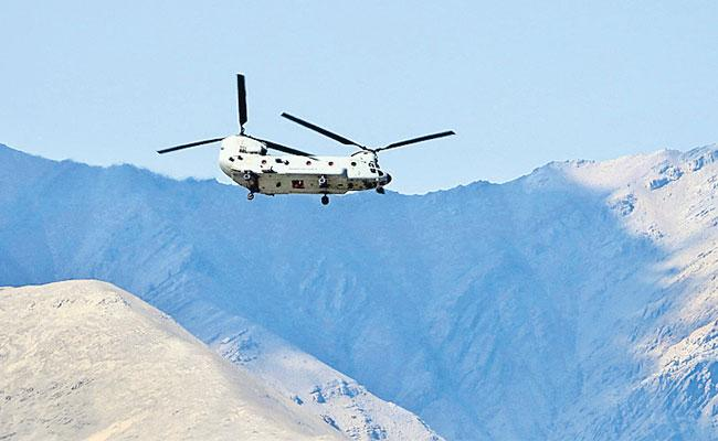 India And China dispute : Army Chief Reviews Operational Preparedness In Ladakhi - Sakshi