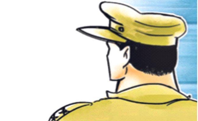 Cyber Criminals Targets Police Department In Hyderabad - Sakshi