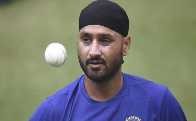 Harbhajan Singh Friend Clarifies About His Role Pull Out From IPL 2020 - Sakshi