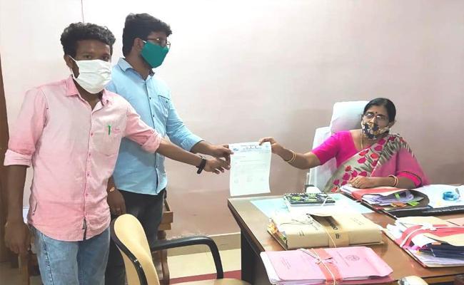 Education Department Officials Reacts On Schools Irregularities In Hyderabad - Sakshi