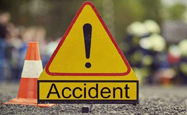 Seven killed Van Collides Head On With Trailer In Rajasthan - Sakshi
