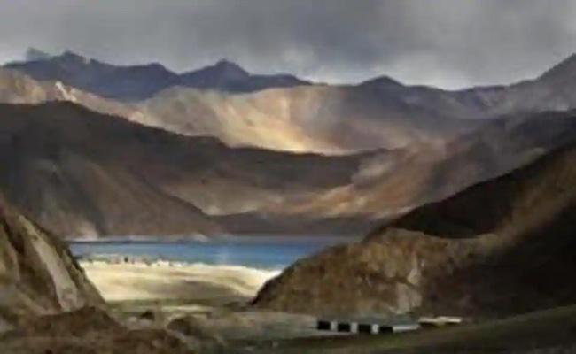 China is PLA in race to reach the green line in Ladakh - Sakshi