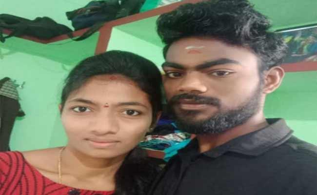 Man Deceased His Wife Deceased Shock In Srikakulam - Sakshi