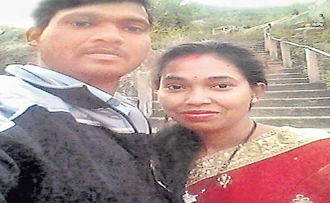 Jharkhand Couple Travel 1200 kms To Write Diploma Exam - Sakshi