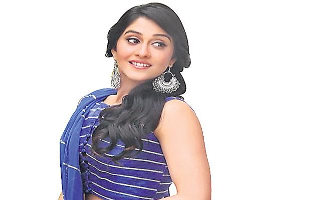 Lockdown is a voluntary retirement says actress Regina - Sakshi