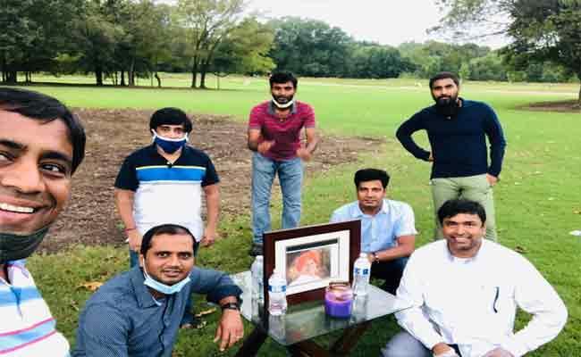 YSR Congress Party Leaders Tribute To YSR Vardhanthi In Memphis City - Sakshi