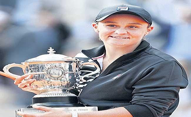 Ashleigh Barty Will Not Play French Open Due To Coronavirus - Sakshi