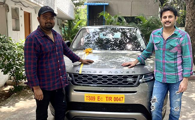 Actor Nithin Gifted Expensive Land Rover To Director Venky Kudumula - Sakshi