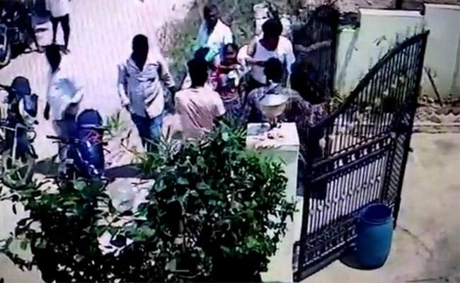 Software Engineer attacked By Land grabbers in Nizamabad - Sakshi