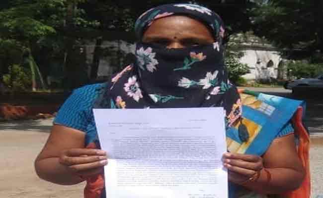 Women Caste Deportation In Nizamabad District - Sakshi