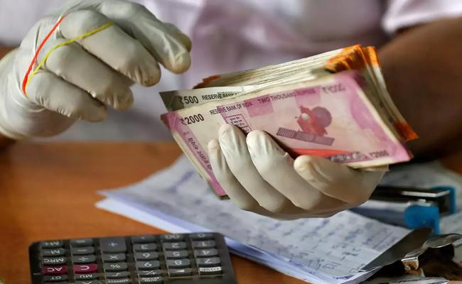 Rupee Surges 63 Paise to 73.15Against US Dollar - Sakshi