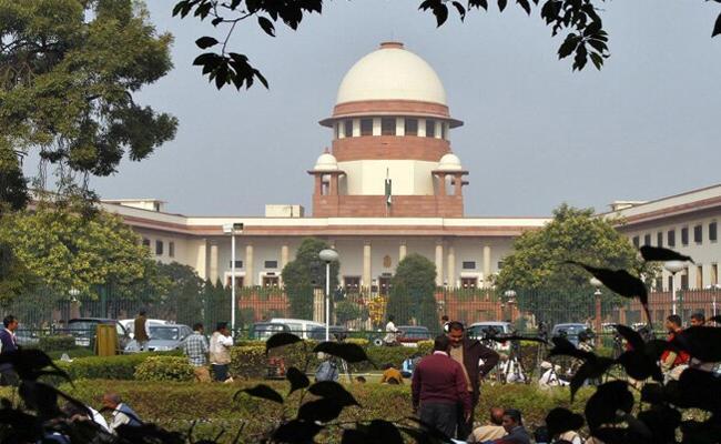 Not possible no extension of loan moratorium: Centre tells Supreme Court - Sakshi