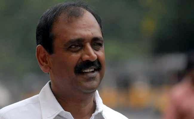 CM YS Jagan Consultation To Bhumana Karunakar Reddy - Sakshi