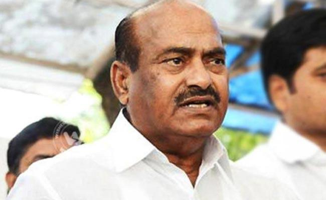 Case Filed On TDP Leader JC Diwakar Reddy - Sakshi