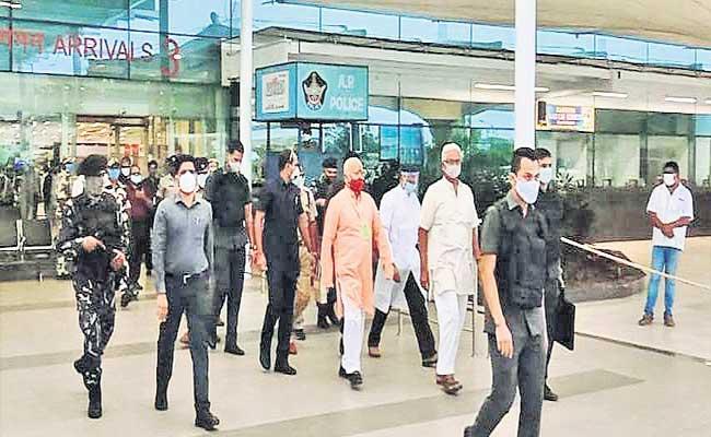 RSS Chief Mohan Bhagwat Reached Guntur District - Sakshi