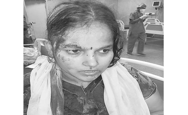 Woman Attacked Over Donot Adoration In Temple - Sakshi