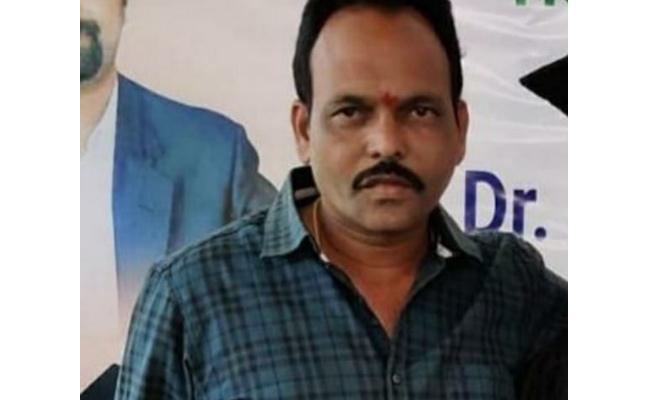 Maoists Assassinates TRS Leader In Mulugu District - Sakshi