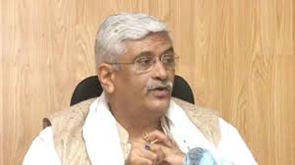 Gajendra Singh Shekhawat launched a stinging attack on Rahul Gandhi and Priyanka - Sakshi
