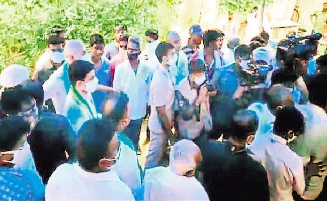 Bitter Experience To Nara Lokesh Babu In Amaravati - Sakshi