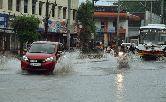 Panchayati Raj Commissioner Girija Shankar Teleconference On Rains  - Sakshi