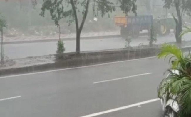Power Outage In Hyderabad Due To Heavy Rains - Sakshi