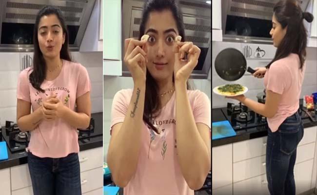 Rashmika Mandanna Prepares Omelette Recipe - Sakshi