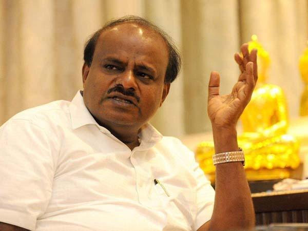 HD Kumaraswamy Says Congress Not Safe For Bengaluru - Sakshi
