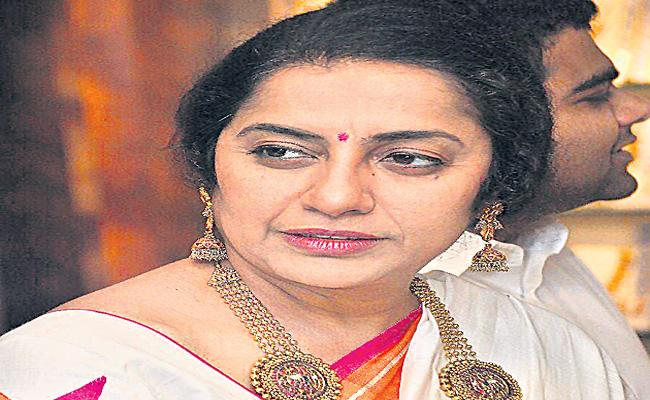 Nepotism accusations haven't reached the South yet - Sakshi