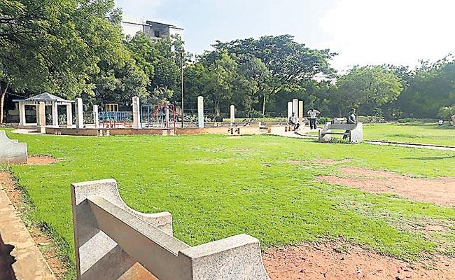 Central Government Has Ordered Installation Of CCTVs In Parks - Sakshi
