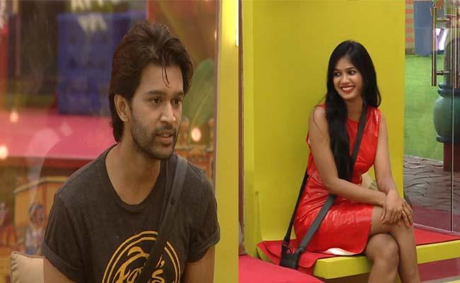 Bigg Boss 4 Telugu: Female Contestants Midnight Party In House - Sakshi
