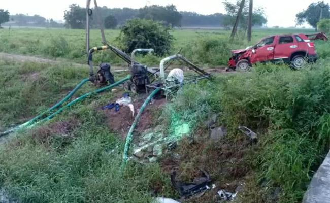 Jagityala Residents Died In Car Accident At Rompicharla - Sakshi