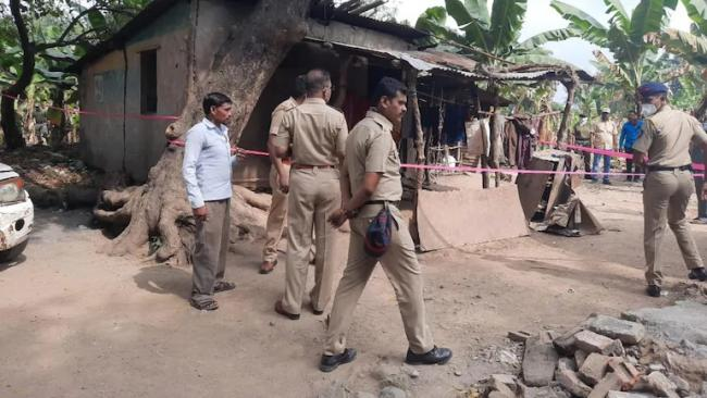 4 Siblings in Jalgaon Village Found Butchered With Axe - Sakshi