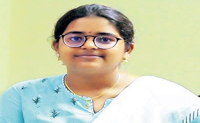 6th rank nationally for Tenali girl in NEET - Sakshi