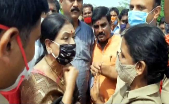 DK Aruna Arrest At Wanaparthy - Sakshi