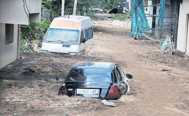 Hyderabad People Are Suffering Due To The Floods - Sakshi