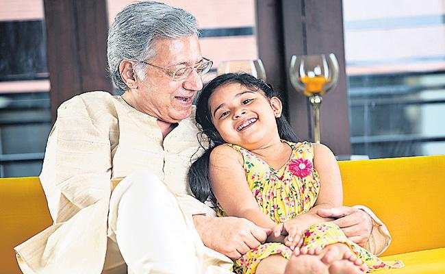 India has gained 10 years in life expectancy - Sakshi
