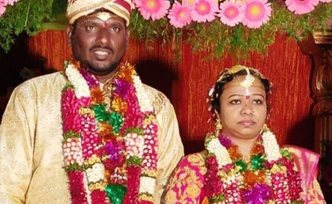 Husband And Wife Lifeless In Mancherial District - Sakshi