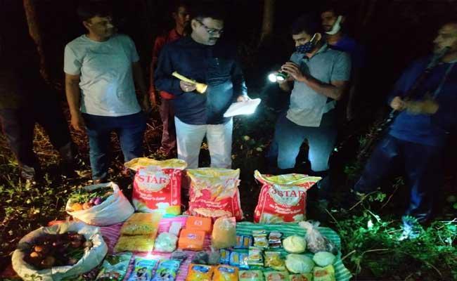 Sandalwood Smugglers Enters In Chittoor District - Sakshi