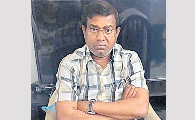 Suspicions Over Former Tahsildar Nagaraj Suicide - Sakshi