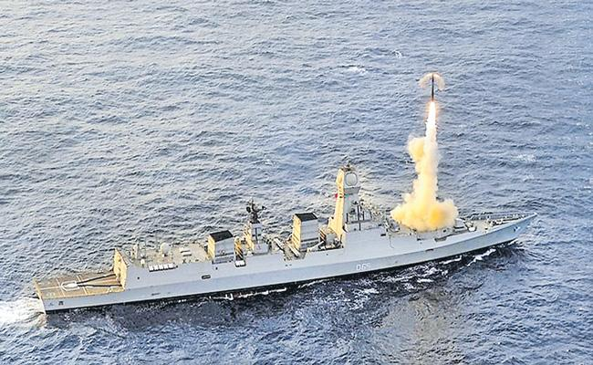 India successfully test fires BrahMos cruise missile - Sakshi