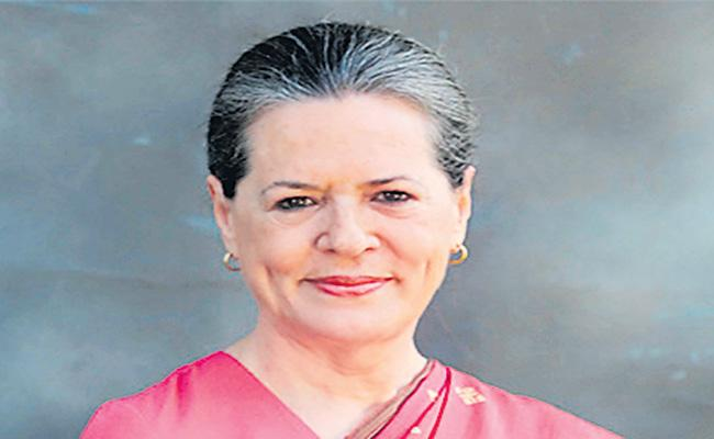 Indian democracy passing through most difficult phase - Sakshi