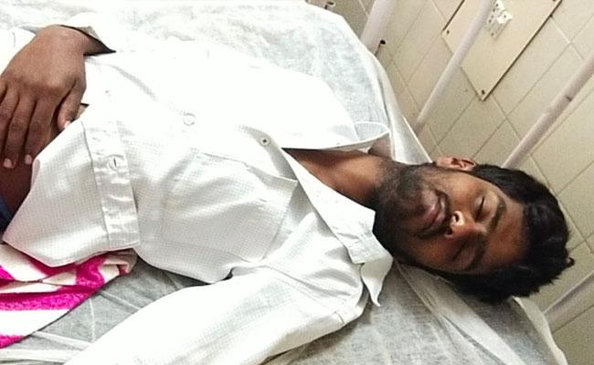 Volunteer In Madakasira Stolen Pension Amount - Sakshi