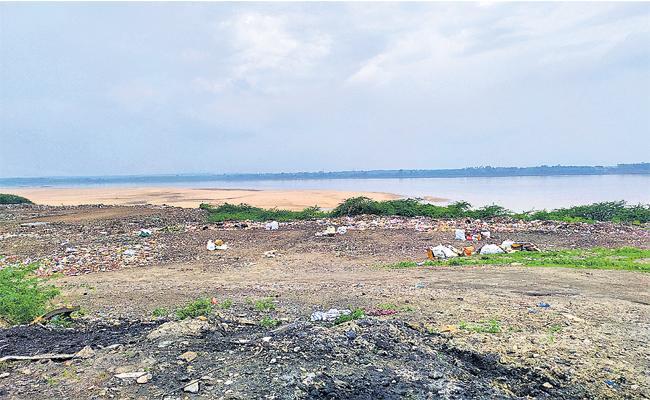 Godavari Water Contamination In Telangana - Sakshi
