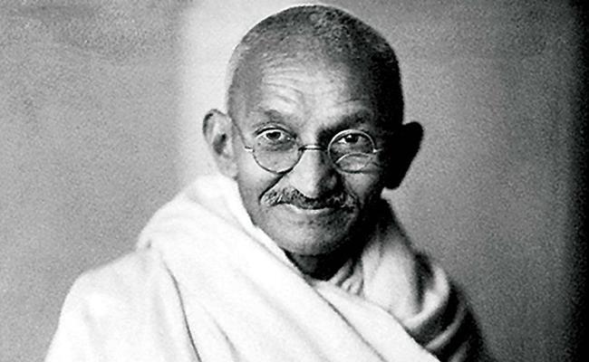 Gandhiji aspired  Women To Excel In Politics Gandhi Jayanti 2020 - Sakshi