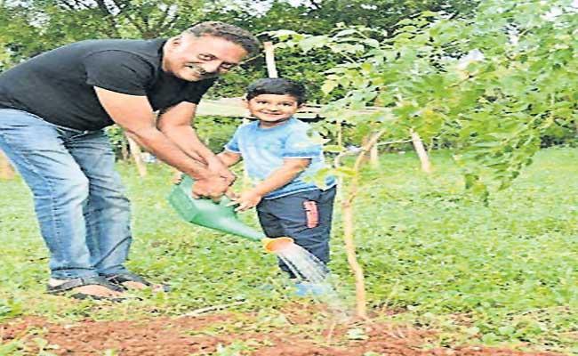 Actor Prakash Raj Participated In Green India Challenge - Sakshi
