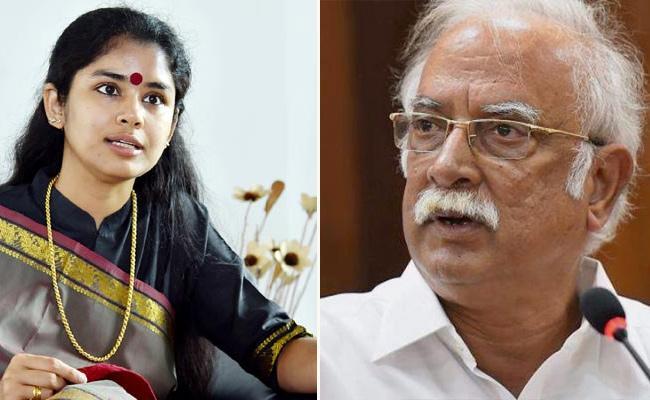 Sanchaita Gajapathi Raju Lashes Out At Ashok Gajapathi Raju - Sakshi