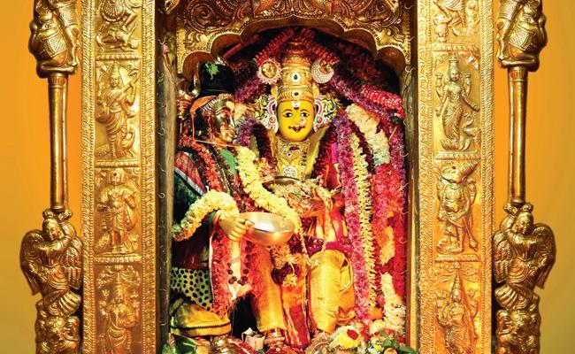 Kanaka Durga Temple 4th Day Annapurna Devi Darshan - Sakshi