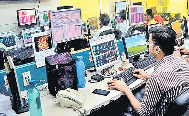 Sensex gains over 448 points and Nifty ends above 11,850 points - Sakshi